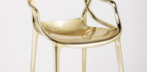 https://www.angledroit.fr/img/chaise-masters-gold-1.jpg