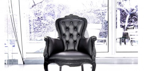 https://www.angledroit.fr/img/smoke-chair-1.jpg